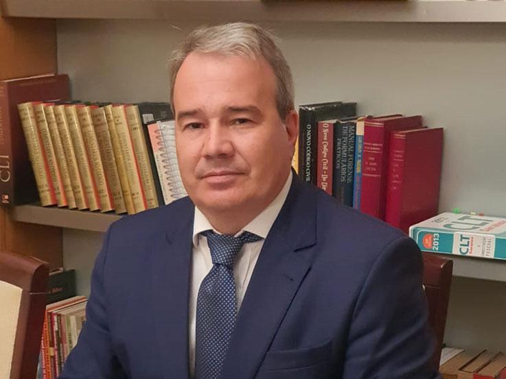 Dr. Luiz Cláudio Costa